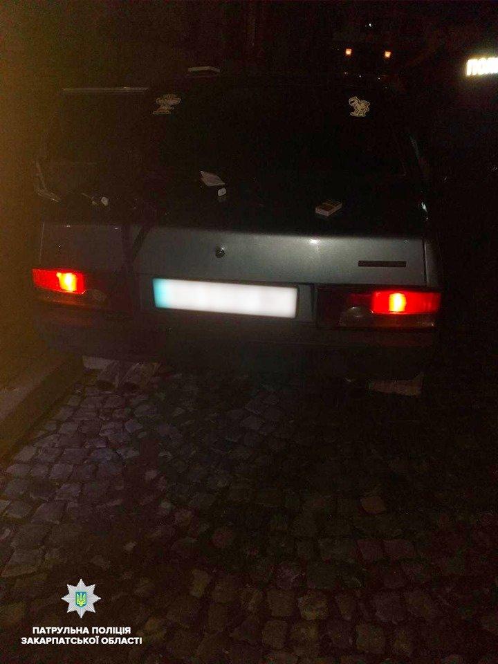 """У Мукачеві вночі зловили водія """"під кайфом"""" і з наркотиками в салоні (ФОТО), фото-2"""