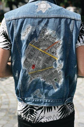 Ужгородський художник-абстракціоніст створив колекцію розписаного джинсового одягу, фото-2