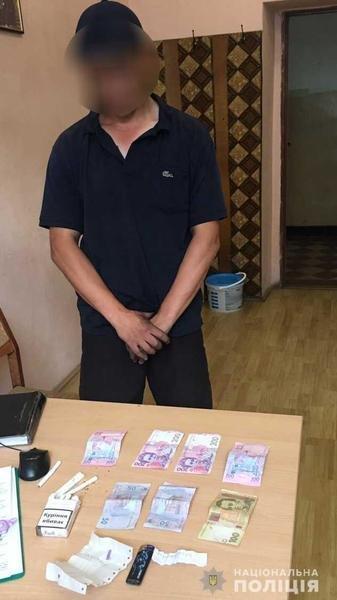 Навіть не ховався: у Мукачеві грабіжник пограбував кіоск з фаст-фудом (ФОТО), фото-1