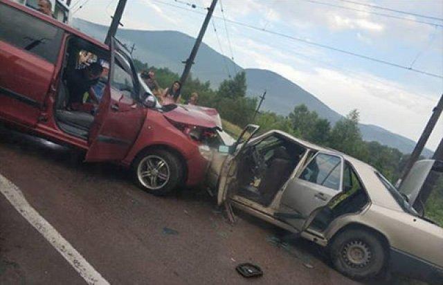 На Закарпатті лобове зіткнення Mercedes та Skoda сталось через п'яного водія - подробиці від поліції (ФОТО), фото-4