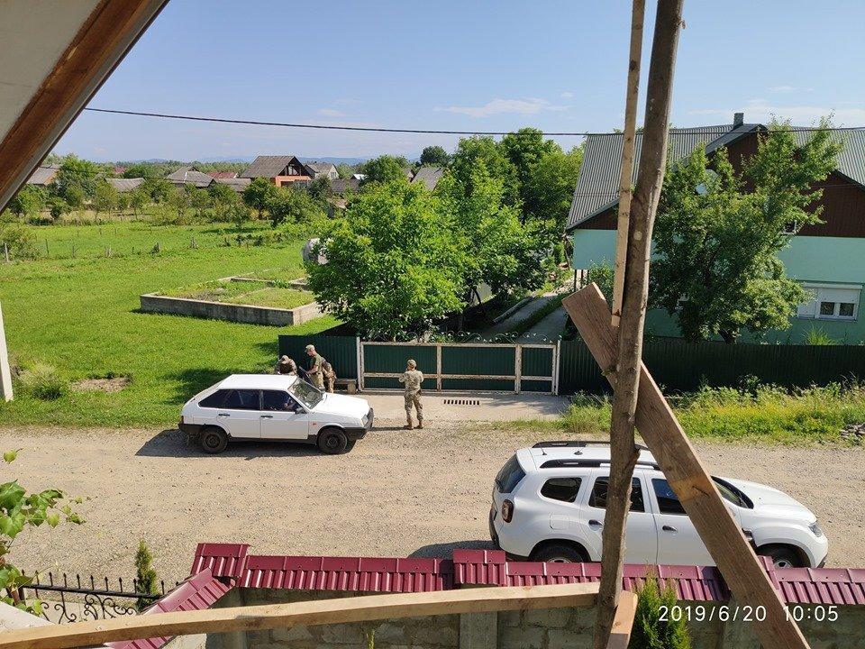 На Закарпатті сталась стрілянина через підозру у контрабанді: версії потерпілого та прикордонної служби (ФОТО), фото-2