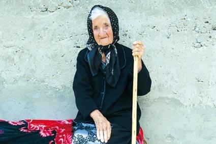 Закарпатська довгожителька у великому колі родини відзначила свій 102-річний ювілей (ФОТО, ВІДЕО), фото-1