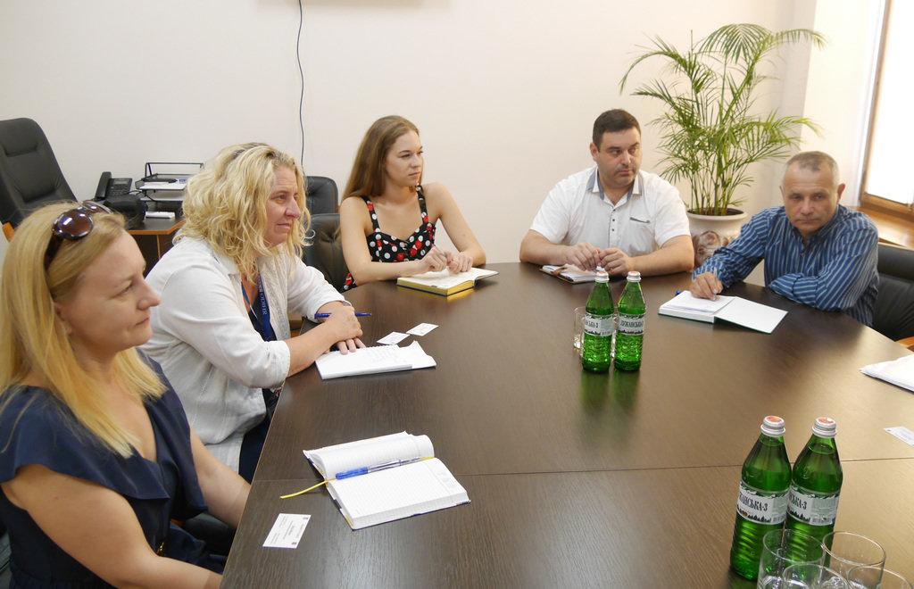 В Ужгород завітали міжнародні спостерігачі на позачергових парламентських виборах в Україні 21 липня (ФОТО), фото-1