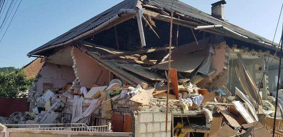 Під час вибуху газоповітряної суміші на Закарпатті постраждали чоловік та 2-річна дитина (ФОТО), фото-1