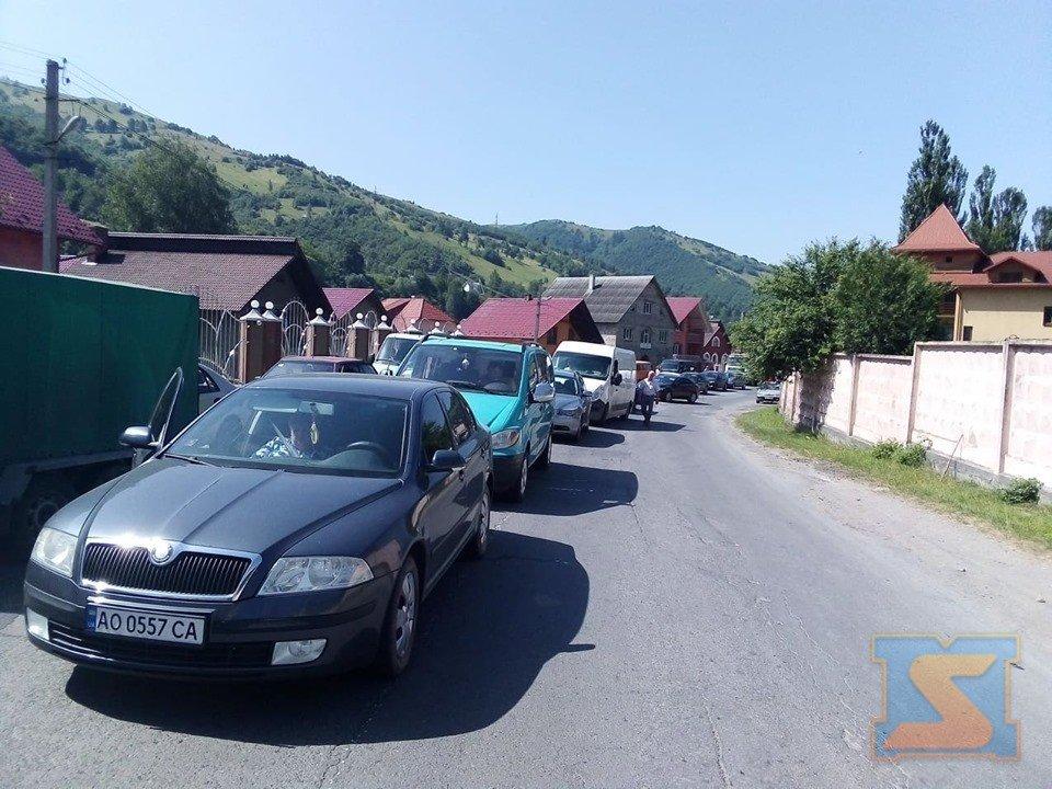 На Рахівщині страйкують проти бездоріжжя (ФОТО), фото-3