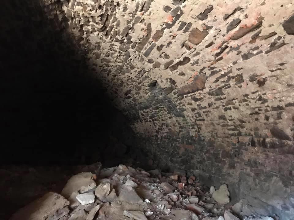 В Ужгороді на Поштовій під час земляних робіт натрапили на ймовірно старовинний підвал (ФОТОФАКТ), фото-5