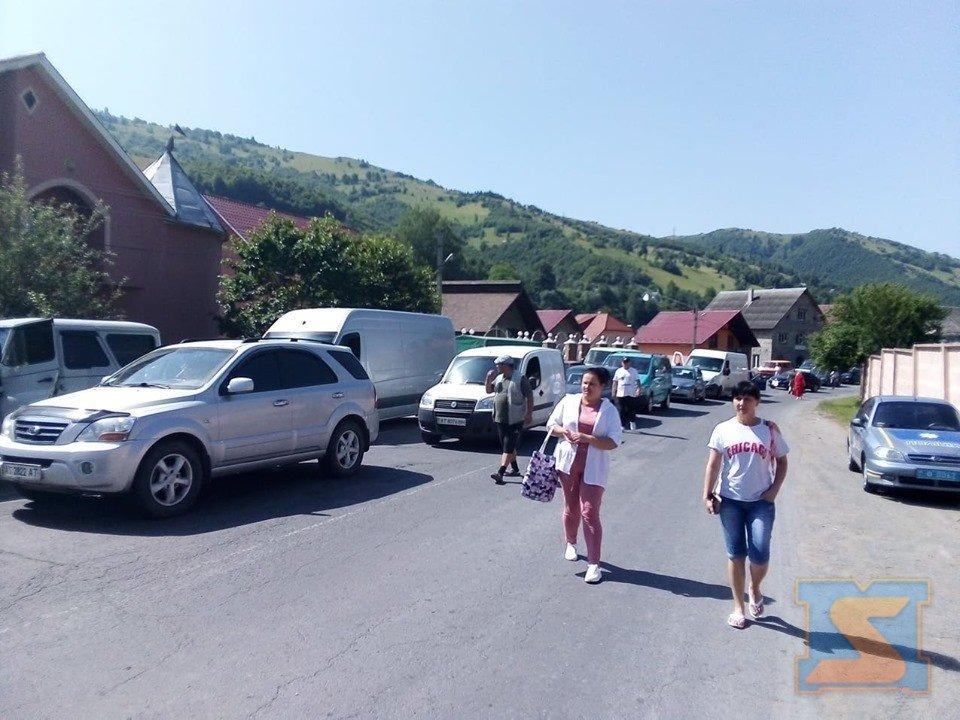На Рахівщині страйкують проти бездоріжжя (ФОТО), фото-4