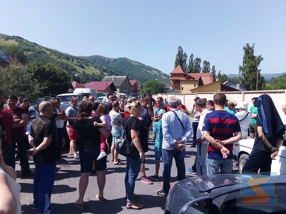 На Рахівщині страйкують проти бездоріжжя (ФОТО), фото-1