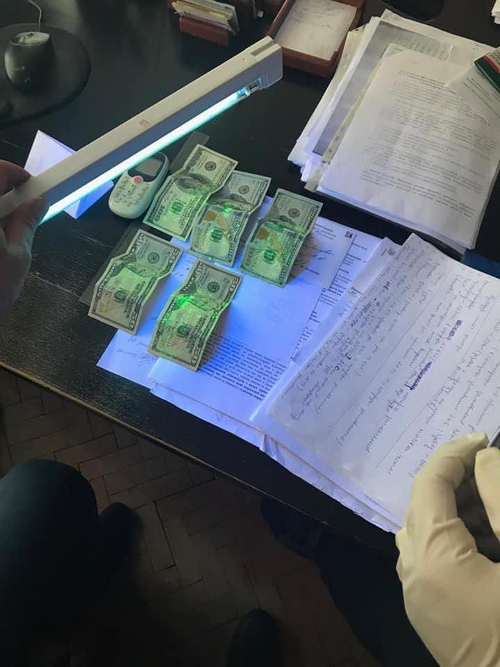 На Закарпатті судитимуть начальника одного з управлінь ОДА, якого викрили при отриманні 400 доларів хабара (ФОТО), фото-2