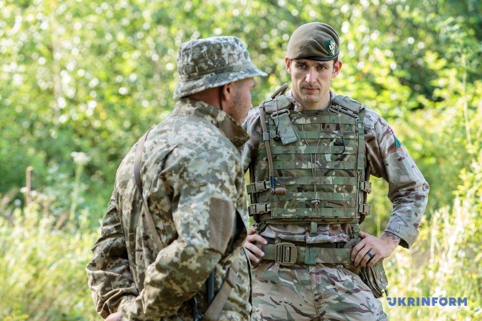 На Закарпатті проходять міжнародні навчання  військових по програмі, що відповідає стандартам НАТО (ФОТО), фото-8