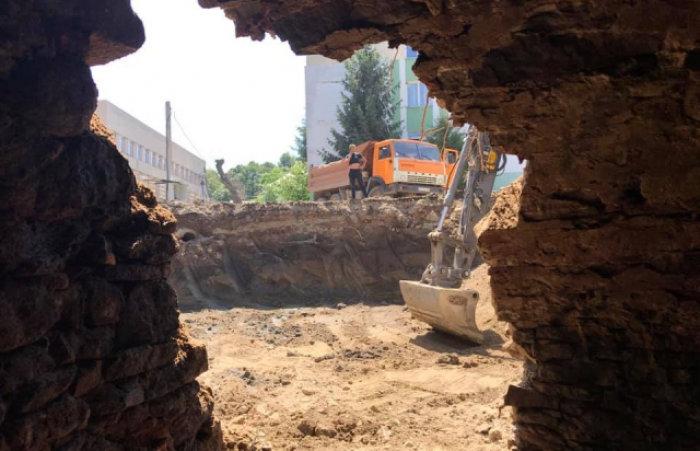 Виявлений в центрі Ужгорода підвал може мати таємні виходи до інших підземель, фото-1