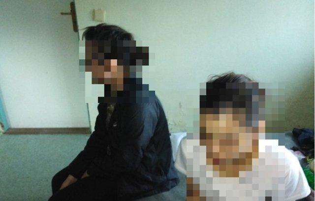 На кордоні затримали нелегалів з Афганістану та В'єтнаму, які через Закарпаття намаглись потрапити до ЄС (ФОТО) , фото-1