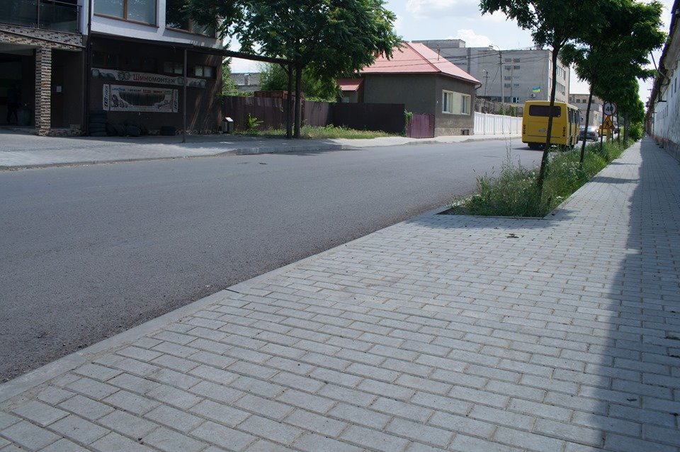 В Ужгороді на Шумній підрядник усуває недоліки (ФОТОФАКТ), фото-5