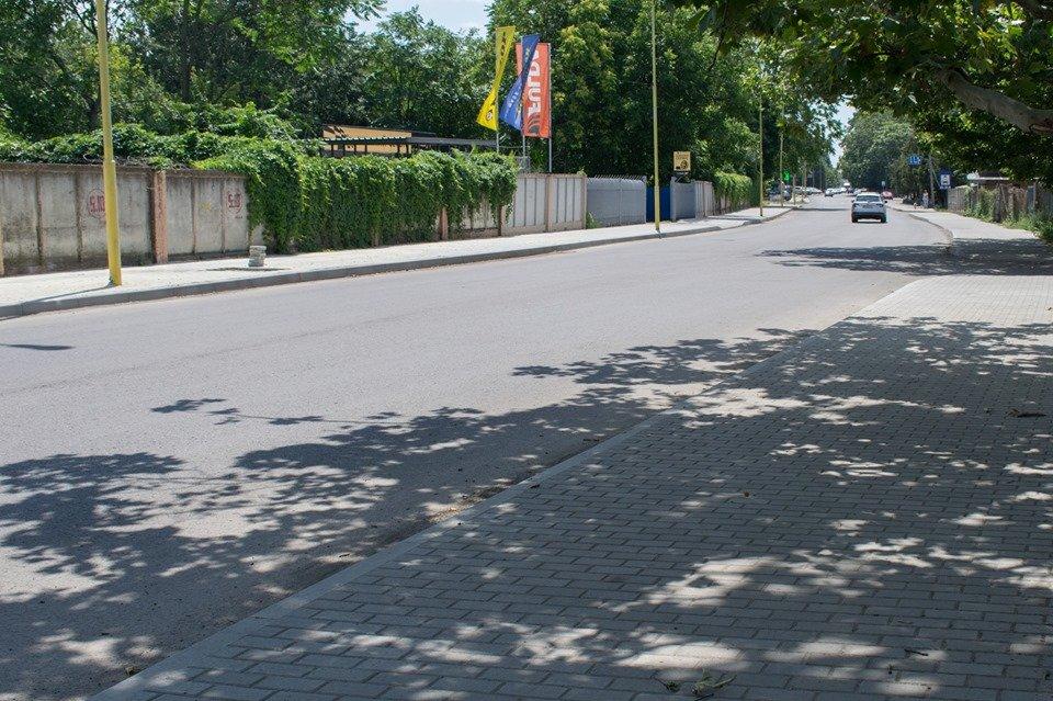В Ужгороді на Шумній підрядник усуває недоліки (ФОТОФАКТ), фото-9