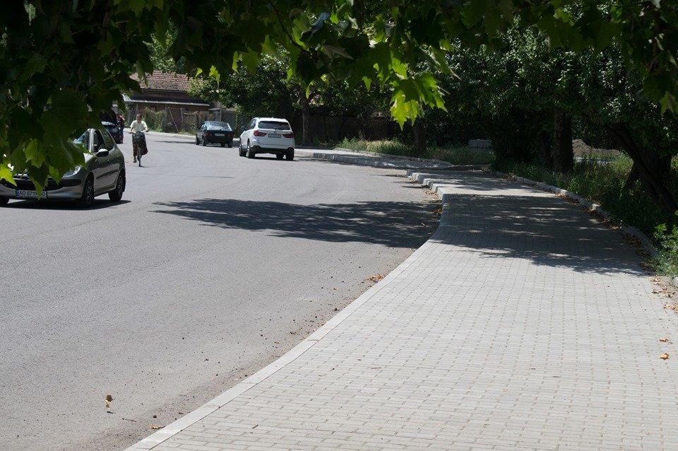 В Ужгороді на Шумній підрядник усуває недоліки (ФОТОФАКТ), фото-8
