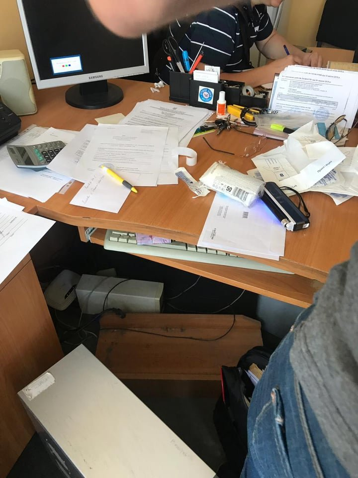 На Закарпатті на хабарі у 7 тис грн викрили провідного спеціаліста Держпродспоживслужби (ФОТО), фото-2