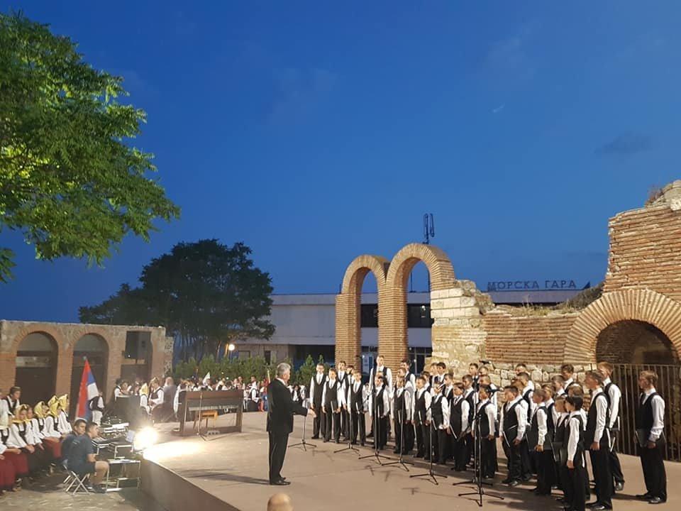 Мукачівський хор хлопчиків та юнаків виступив на фестивалі в Болгарії та підкорив серця європейців (ФОТО), фото-2
