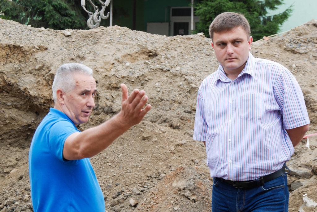 В Ужгороді на Поштовій на місці виявлення старовинних підвалів проводиться розчищення території (ФОТО), фото-3