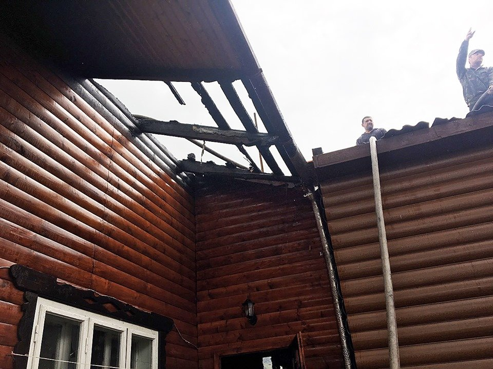 Пожежа знищила частину житлового будинку на Закарпатті: подробиці від ДСНС , фото-4
