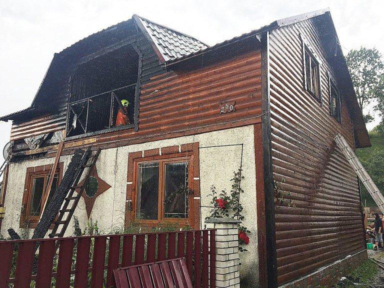 Пожежа знищила частину житлового будинку на Закарпатті: подробиці від ДСНС , фото-1