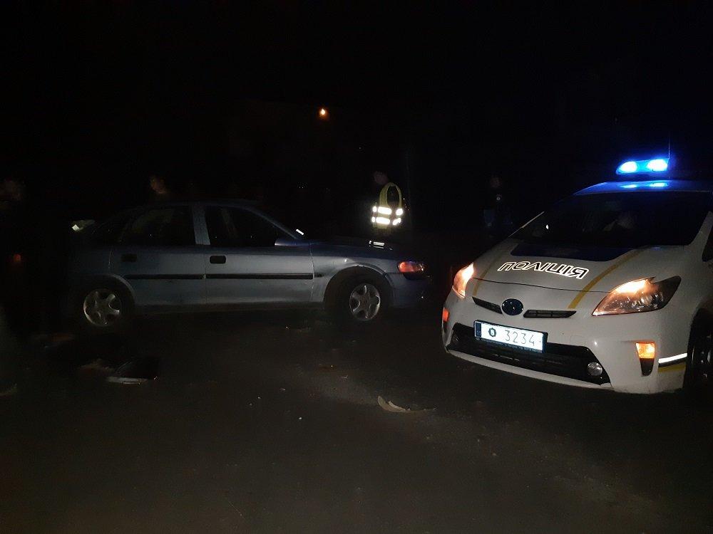 В Ужгороді вночі скутер врізався в автомобіль (ФОТО), фото-2