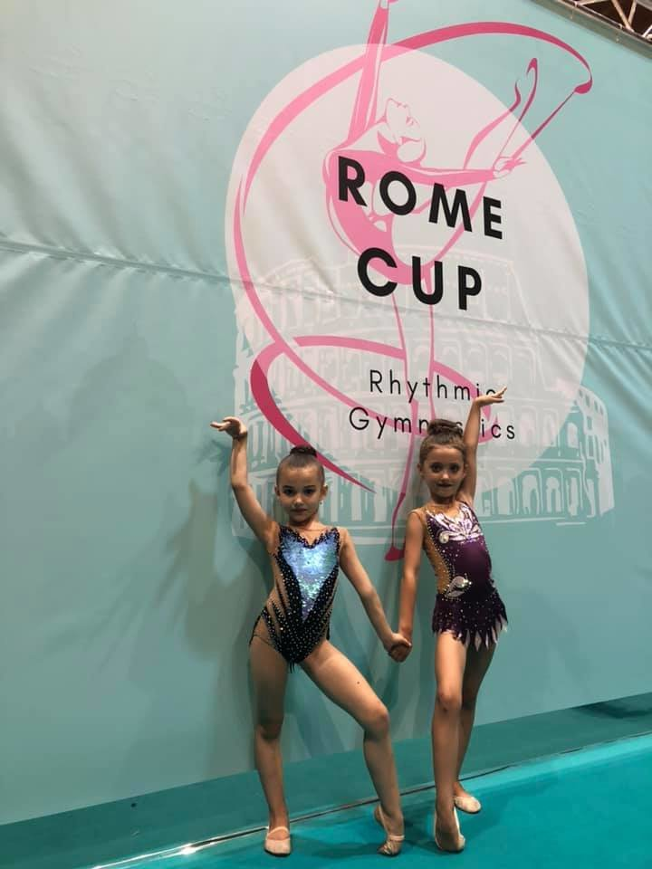 """Юні ужгородські гімнастки привезли три """"золота"""" із Риму (ФОТО), фото-2"""