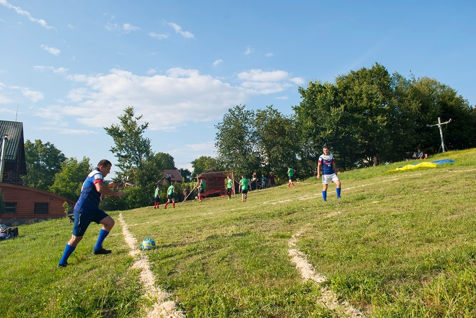 Вперше на Закарпатті провели Карпатський футбол на полі з нахилом (ФОТОФАКТ), фото-2