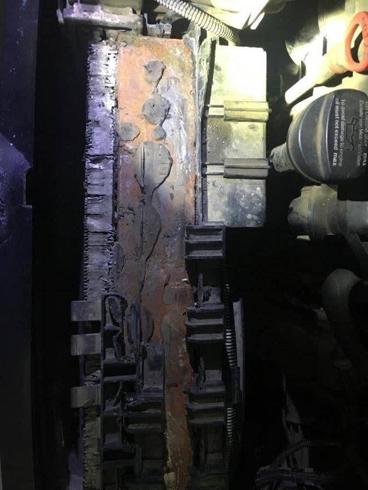 """В українця на КПП """"Тиса"""" знайшли контрабанду в радіаторі «Mercedes Sprinter» (ФОТО), фото-2"""