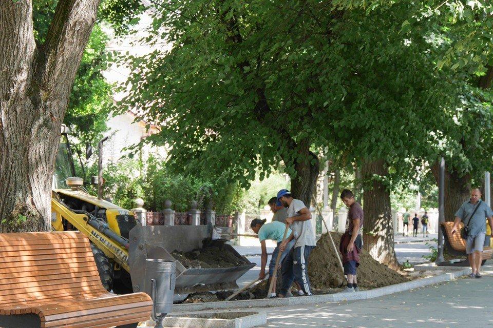 В Ужгороді через ремонтні роботи рух Капушанською тимчасово обмежили (СХЕМА ОБ'ЇЗДУ), фото-3