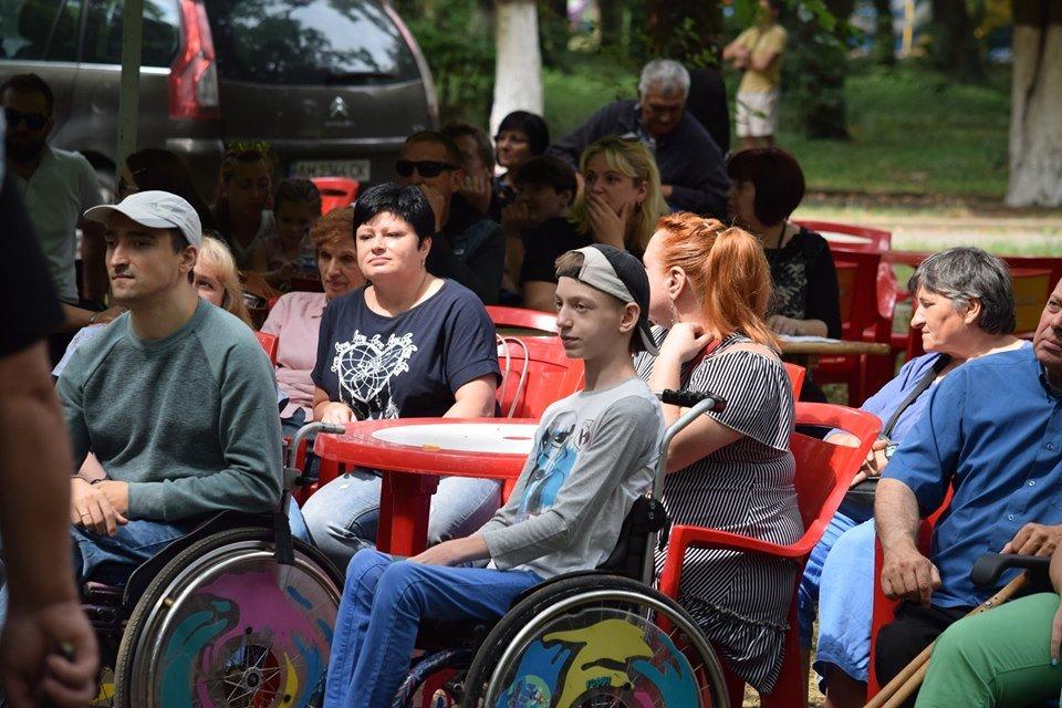 У Боздоському парку в Ужгороді провели благодійну акцію для людей з інвалідністю (ФОТО), фото-10