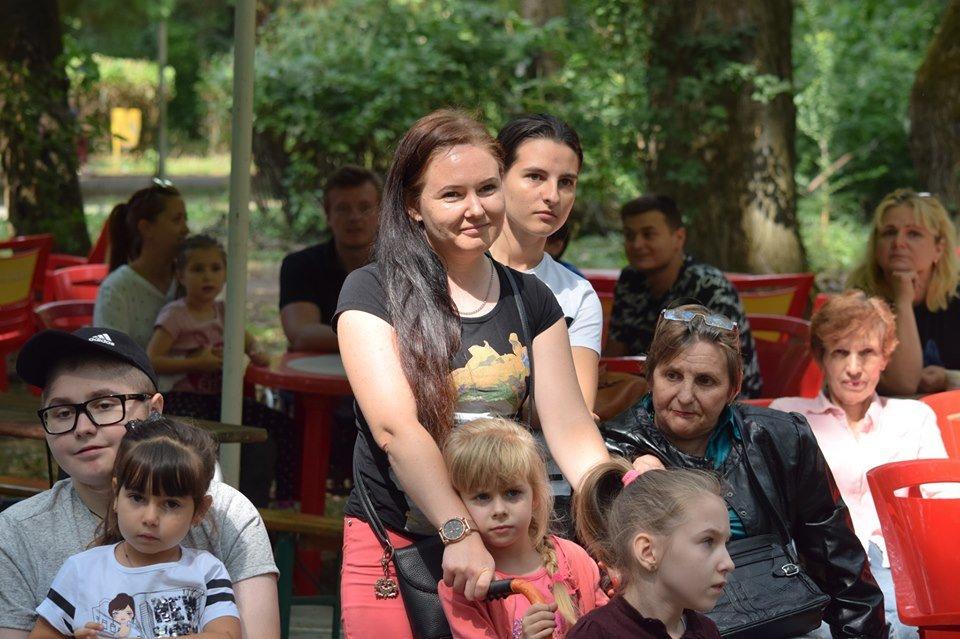 У Боздоському парку в Ужгороді провели благодійну акцію для людей з інвалідністю (ФОТО), фото-6
