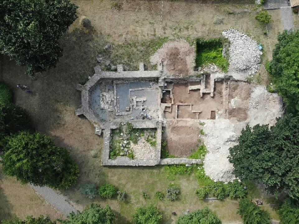 В Ужгороді під час археологічної експедиції студенти-історики виявили цілу низку цікавих артефактів  (ФОТО), фото-3