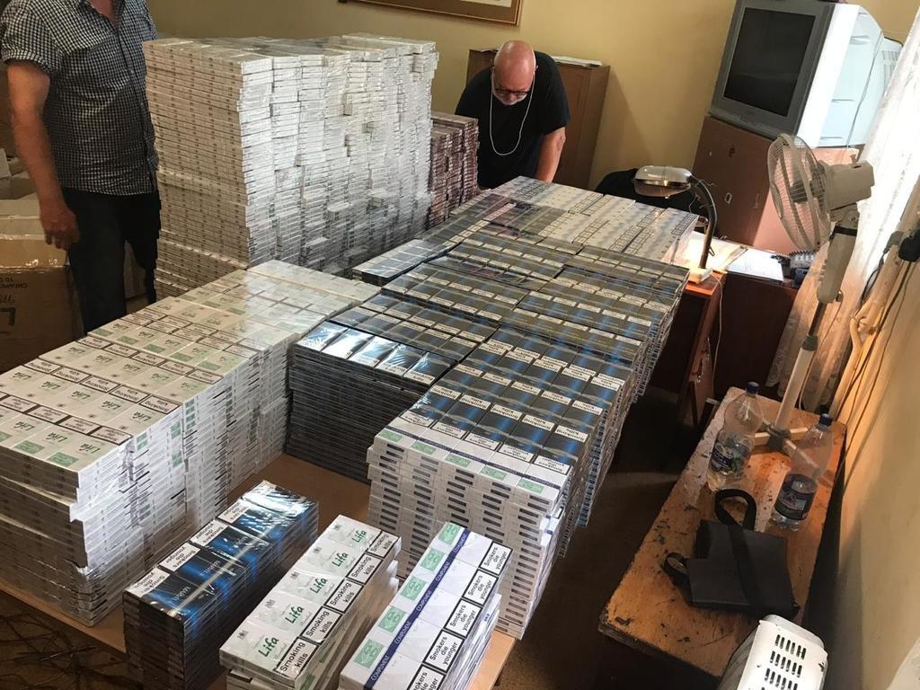 Закарпатські митники знайшли у потязі з рудою, що прямував до Словаччини майже 9 тис пачок цигарок (ФОТО), фото-5