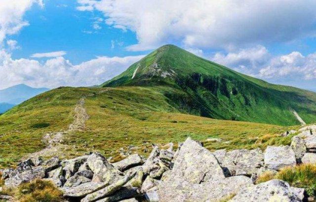 Вони зачаровують у будь-яку пору: Три найбільш мальовничі вершини Карпат (ФОТО), фото-1