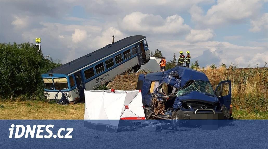 У посольстві України в Чехії підтвердили, що у жахливій ДТП з потягом постраждали закарпатці (ФОТО), фото-1