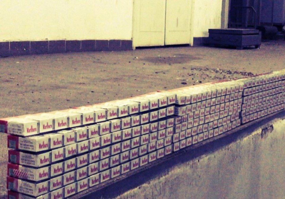 """Контрабандист спробував провезти через КПП """"Тиса"""" цигарки під обшивкою у мікроавтобусі (ФОТО), фото-5"""