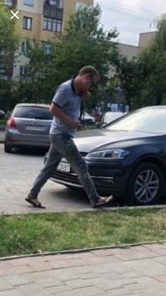Будьте обережні: в Ужгороді шахраї зі сканером даних зняли сигналізацію та проникли у авто (ФОТО), фото-1