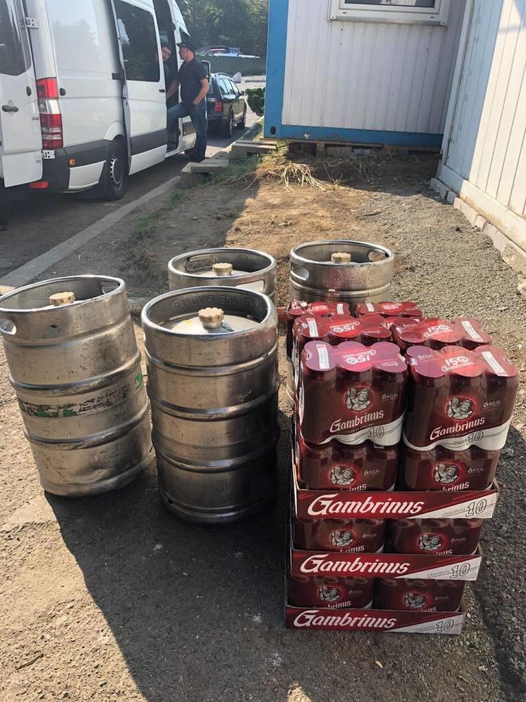 """Через КПП """"Ужгород"""" спробували провезти 315 літрів пива, фото-2"""