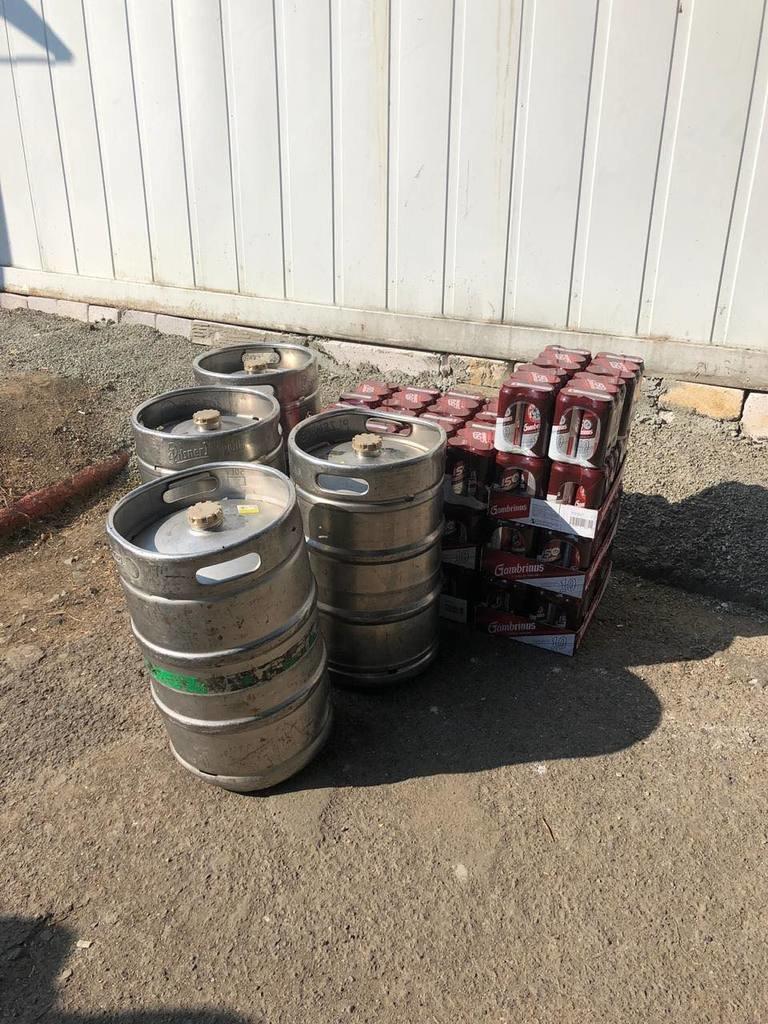 """Через КПП """"Ужгород"""" спробували провезти 315 літрів пива, фото-1"""