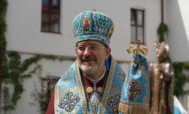 Єпископ Мукачівської греко-католицької єпархії потрапив в автокатастрофу, у якій загинули троє людей, фото-1