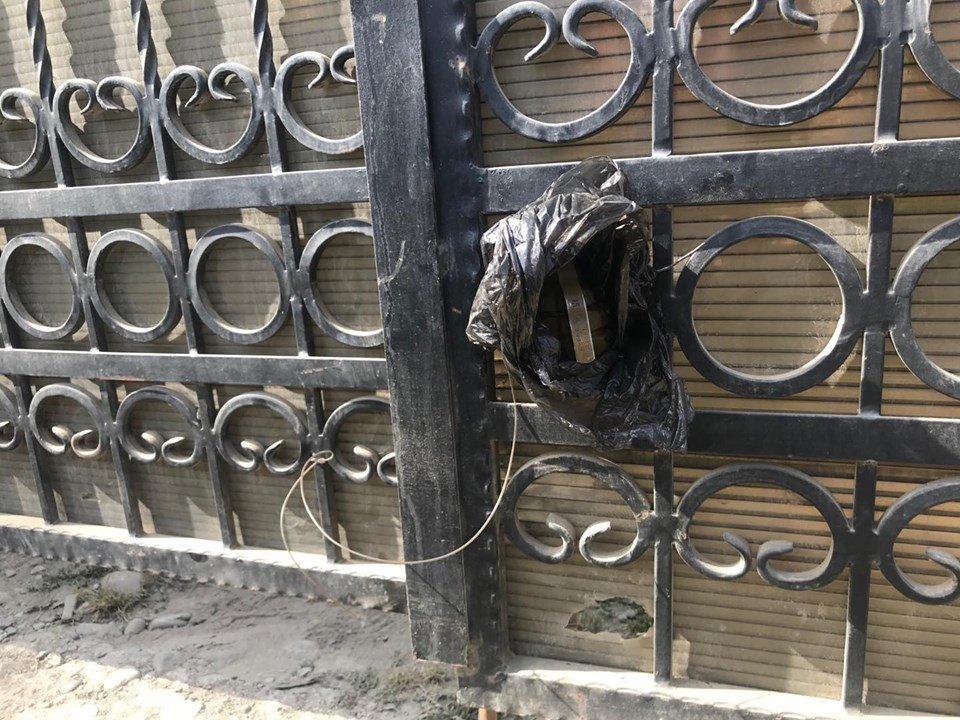 На Закарпатті невідомі підклали гранату при виїзді з двору депутата районної ради (ФОТО) , фото-2