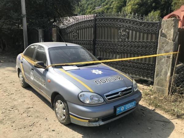 На Закарпатті невідомі підклали гранату при виїзді з двору депутата районної ради (ФОТО) , фото-4