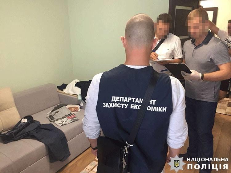 На Закарпатті судитимуть митника, який брав участь у злочинній «схемі» експорту цигарок через кордон (ФОТО), фото-3