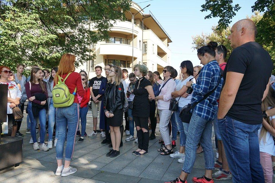 В Ужгороді до Дня міста провели безкоштовну екскурсію - і по міні-скульптурках (ФОТО), фото-1