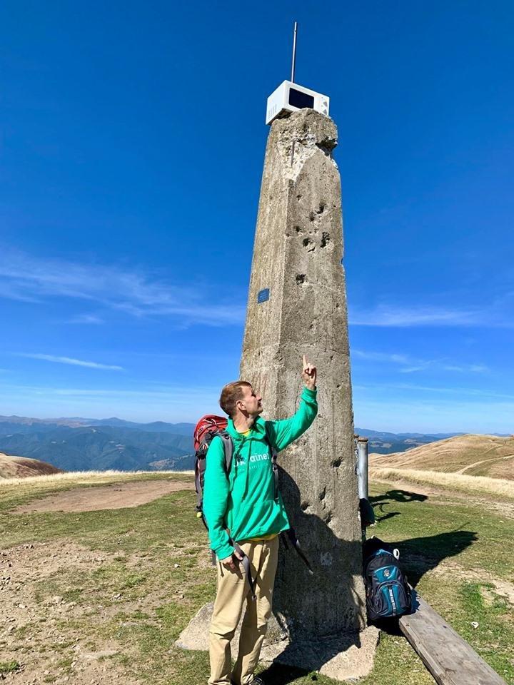 Невідомі залишили на вершині закарпатських гір мікрохвильовку (ФОТО), фото-2