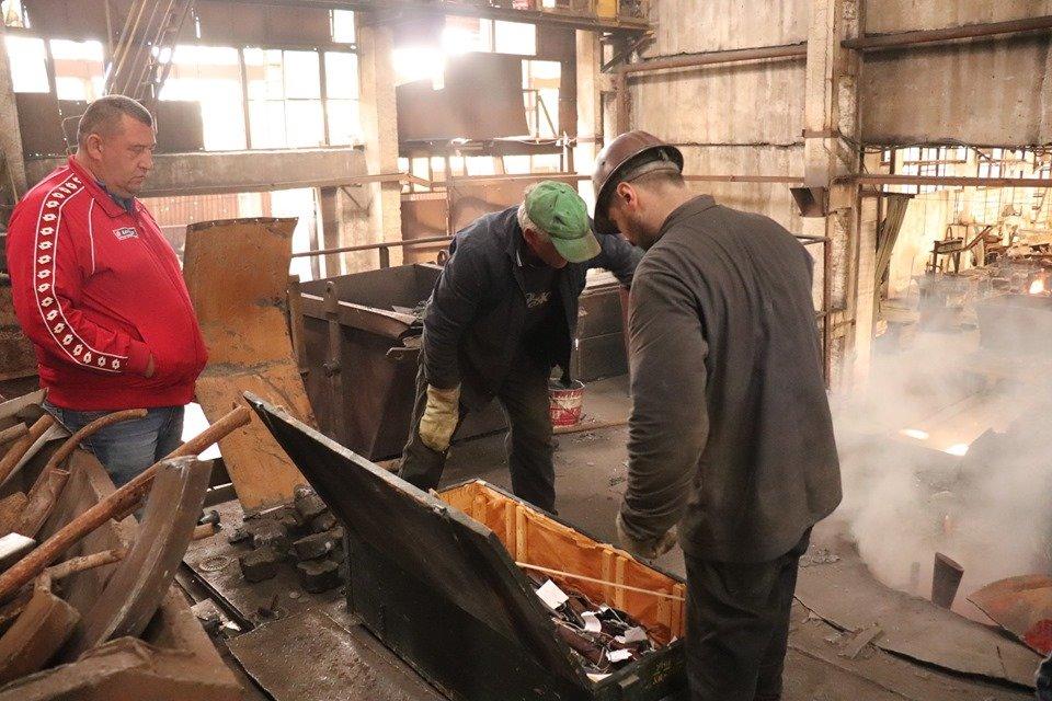 На ужгородському заводі у печі знищили нелегальну зброю (ФОТО), фото-1