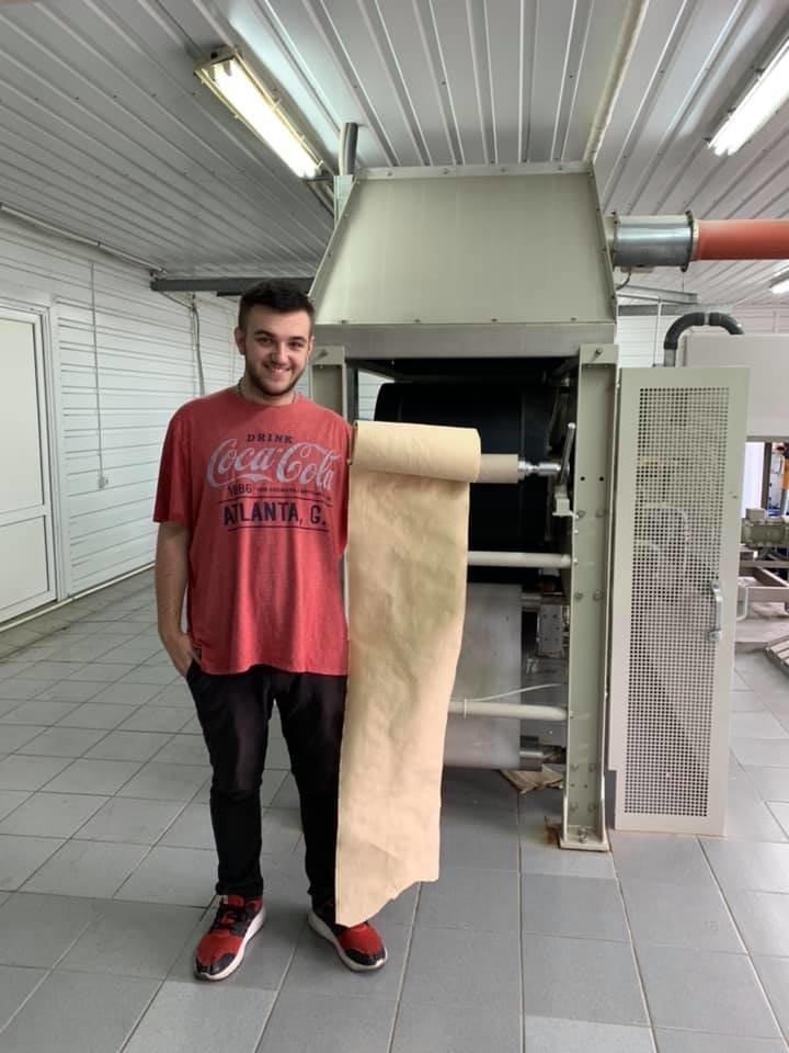 Винахід закарпатця - папір з опалого листя - успішно пройшов тестування обладнанням (ФОТО), фото-1