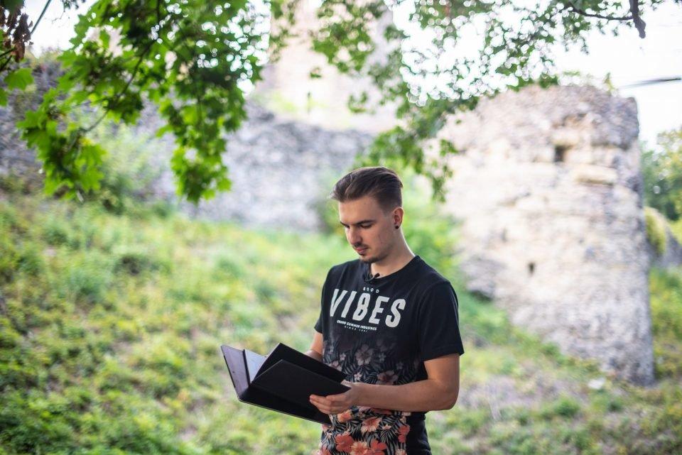 """Невицький замок """"реконструювали"""" у неймовірній комп'ютерній грі (ФОТО, ВІДЕО), фото-1"""