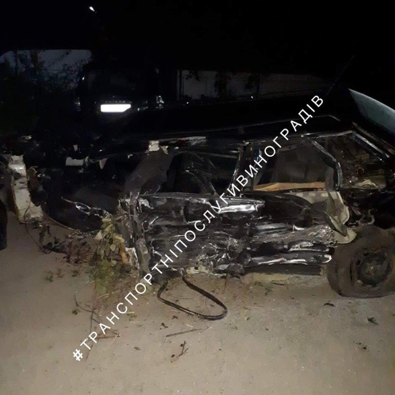 Вночі на Закарпатті трапилася трагічна ДТП - одна людина загинула, інші в реанімації (ФОТО), фото-2