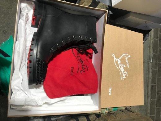 Закарпатські митники вилучили партію брендового взуття із Італії (ФОТО), фото-4